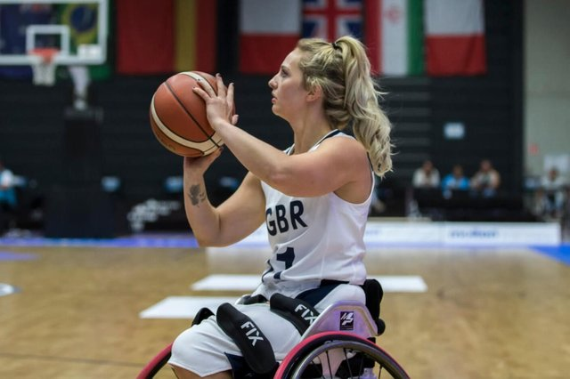 Maddie Thompson in action for Great Britain. (Photo credit/British Wheelchair Basketball)