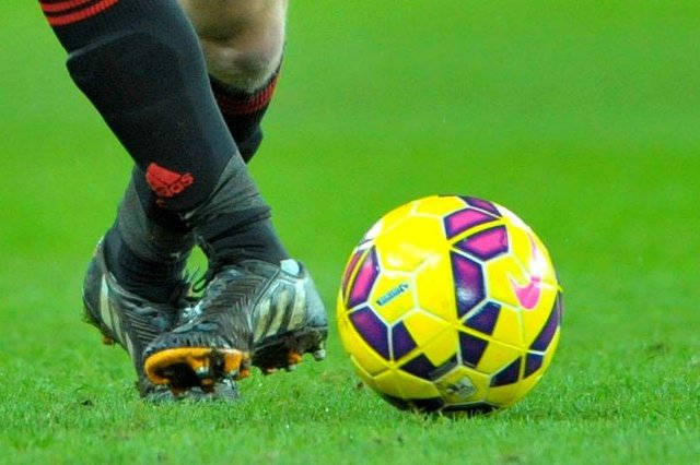 Buxton is to host a clash of the footballing titans next month in a game raising money for the local Mountain Rescue Team.