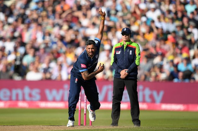 Ravi Rampaul bowls during Derbyshire's Vitality T20 Blast Semi Final match against Essex Eagles in 2019. (Photo by Alex Davidson/Getty Images)