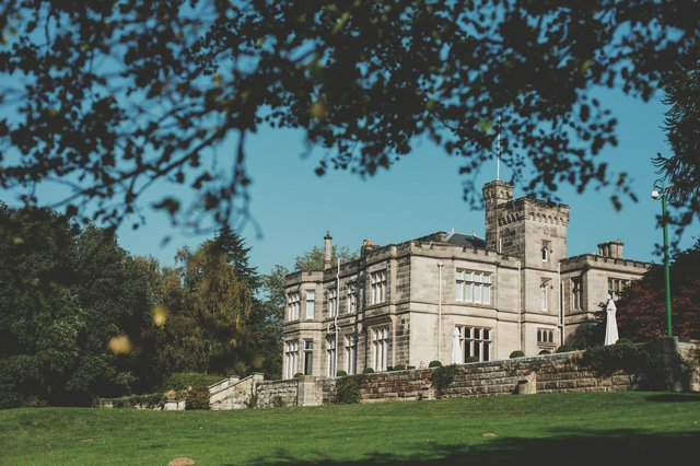 Beautiful Hampton Manor. Image: Fjona Hill