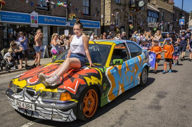 Whaley Bridge Carnival Parade 2018