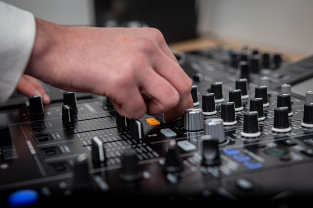 Peak Sound Radio is set to launch later this year.