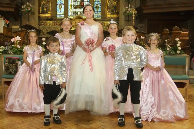 Buxton Wells Dressing, 2015 queen Lilly-Anne Owen with her retinue, Bessie Morris, Poppy Blackley, Phoebe Sherwin, Chloe Howe, William Austin and Joshua Owen