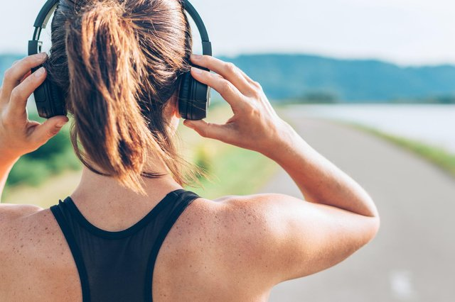 Peak Sound Radio will serve listeners who are increasingly accessing content online rather than through traditional broadcast technology. (Photo: Getty Images)