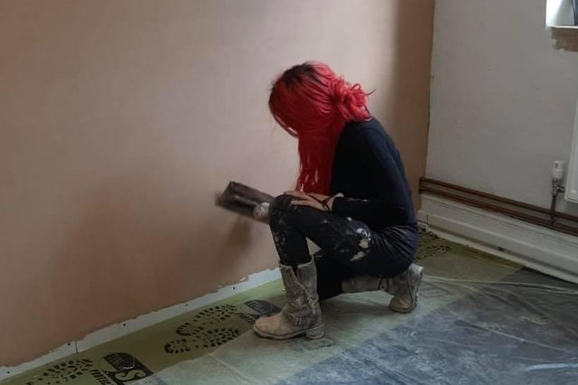 Plasterer Naima who was pictured hard at work will be donating her time for free to replaster the homes of domestic abuse survivors for free and has set up an online donation page to cover the cost of materials.